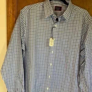 Untuckit relaxed fit wrinkle free